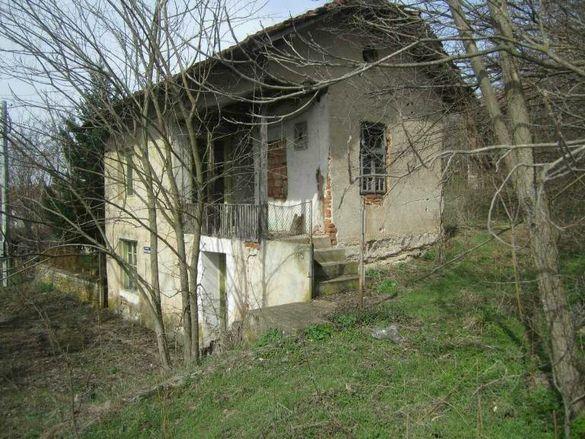 Къща в село Драгана