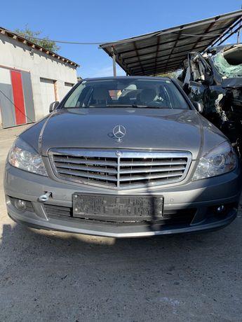 Dezmembrez Mercedes C200 cdi