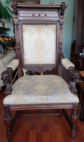Кресло в рыцарском стиле XIX век Франция