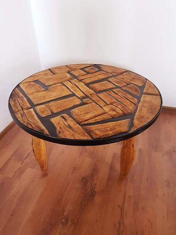 Masa din lemn vechi de mesteacan