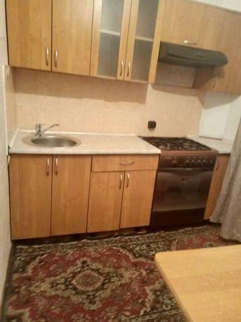 Продам квартиру гостинку в 20 мкр