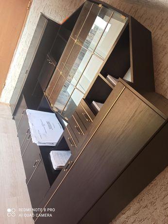 Шкаф офисные, удобное для работы