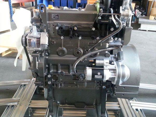 Motor Yanmar 4TNV98T - Nou - Garantie 12 luni