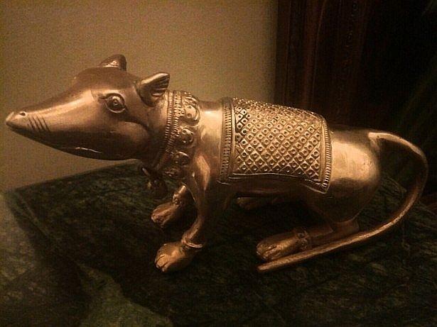 Sculptura din bronz masiv ,statueta șobolan din bronz masiv o lucrare