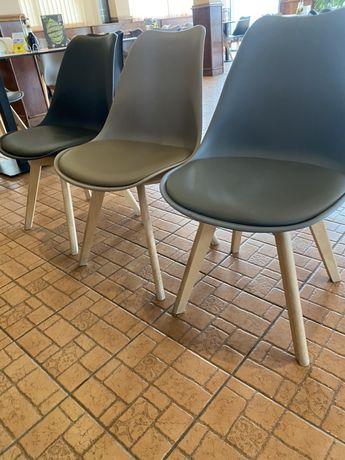 Продавам столове нови и ползвани 2 мес