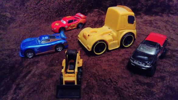 Колекция играчки