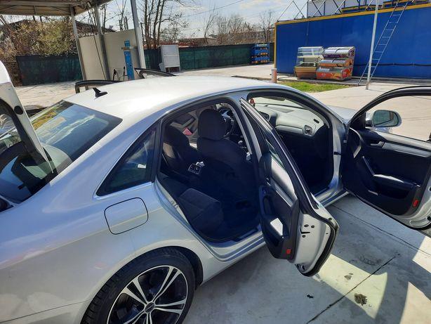 Vând Audi a 4 b8
