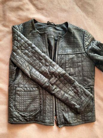Кожаная куртка Zara, тренч Stradivarius