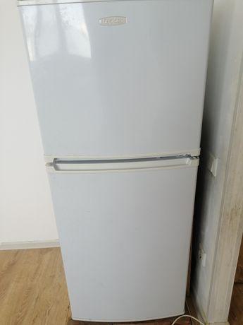 Продаётся холодильник.