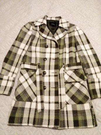 Палто в зелено и бяло