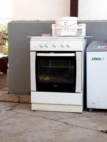 Продается газ.плита 5000