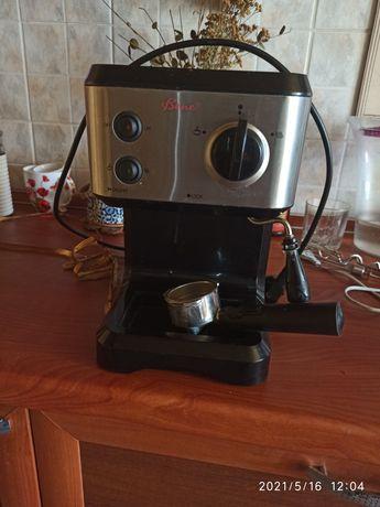 Кофеварка Bene в хорошем состоянии