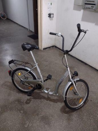 Vând bicicleta pliabila