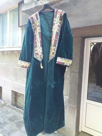 Кафтан Уникална носия изработена от зелено кадифе и бродерия със сърма