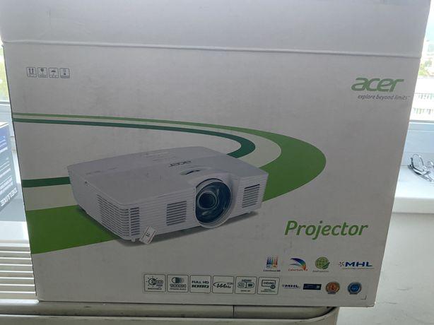 Продаем проектор ACER H6517ST в отличном состоянии