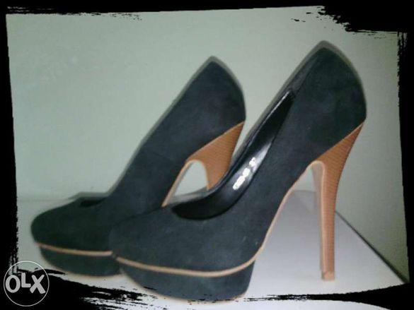 Черни обувки на ток :)