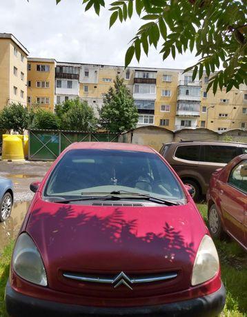 Vând mașină Citroen Xsara Picasso
