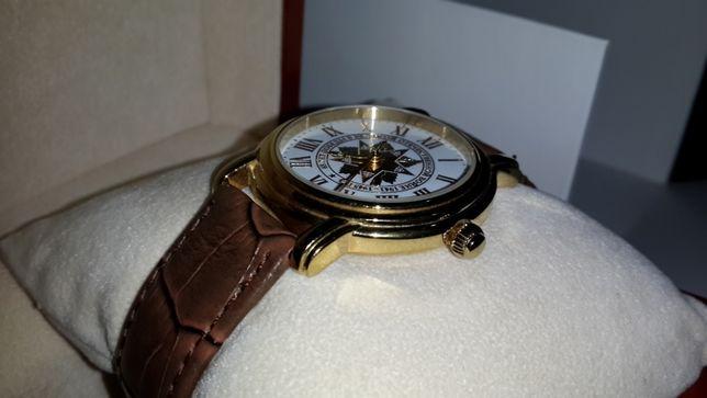 часы наручные сделаны на заказ