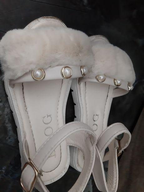 Sandale cu Blanita mar 27