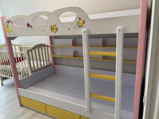 Продам двуярусный кровать. В хорошем состоянии.