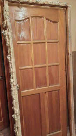 Продаю дверь  бу