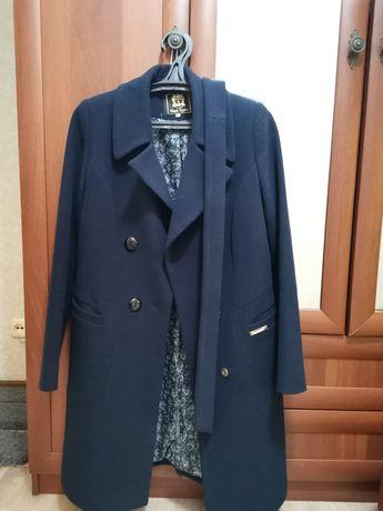 Пальто женское очень-весна