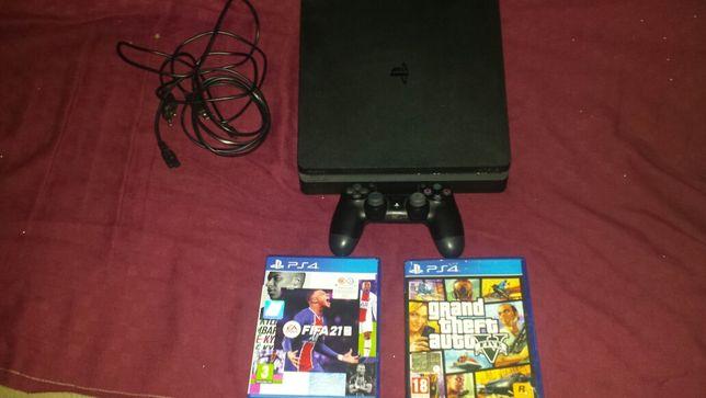 PS4 SLIM cu jocurile FIFA 2021 si GTA5 și o maneta