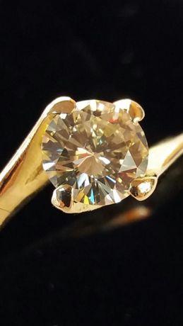 Inel din aur de 14K cu un diamant de 0, 55 carate (Ekymv)