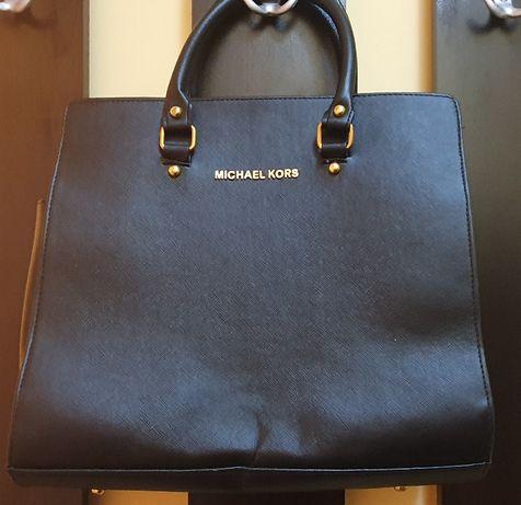 Продавам нова дамска чанта естествена кожа Michael Cors