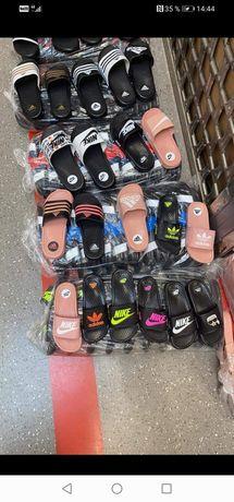 Diferite modele de papuci