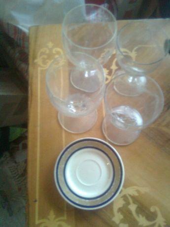 lot 2pahare apa+2pahare vin,semicristal,picior,model+farfurie veche,o