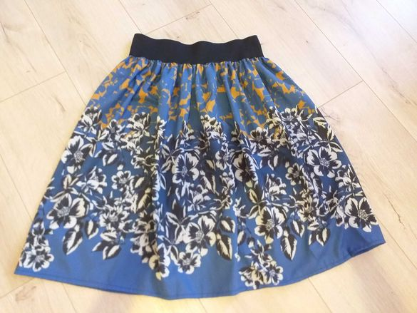 Нова пола с ластик XS