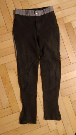 Pantaloni de calarit
