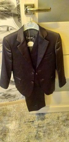 Продам детский костюм за 11000
