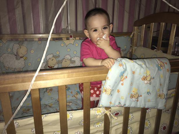 Продаю детскую деревянную кроватку в хорошем состоянии