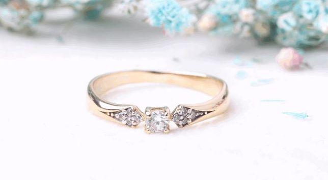 0% Кольцо с камнями , золото 585 Россия, вес 1.55 г. «Ломбард Белый»