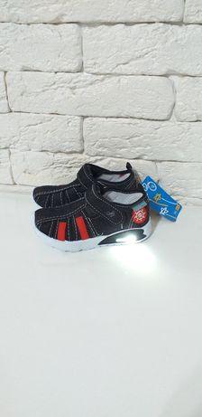 Светящиеся  сандалии. Алматы обувь. Доставка по РК