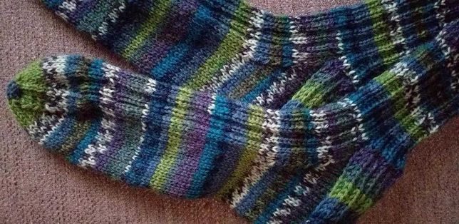 Ciorapi barbati ,tricotati manual