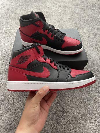 """Vand Nike Air Jordan 1 Mid """"Banned"""" 2020 44 noi in cutie"""