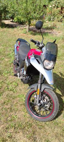 UM Adventure Efi 125cc