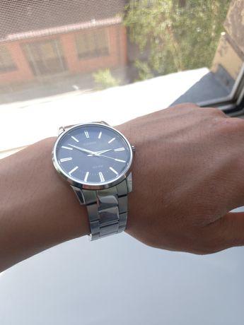 Продам мужские часы Casio в отличном состояний!