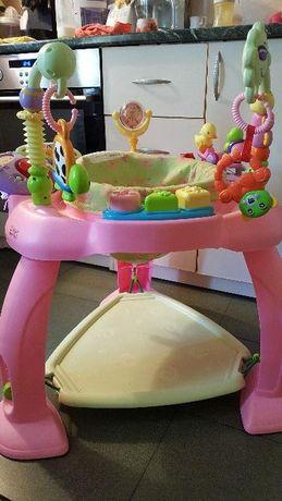 Детски кът с батут, с 4 броя играчки /пиано ,огледалце,люлка и вътяща