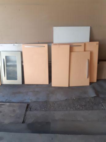 Продаю кухонные фасады б/у.