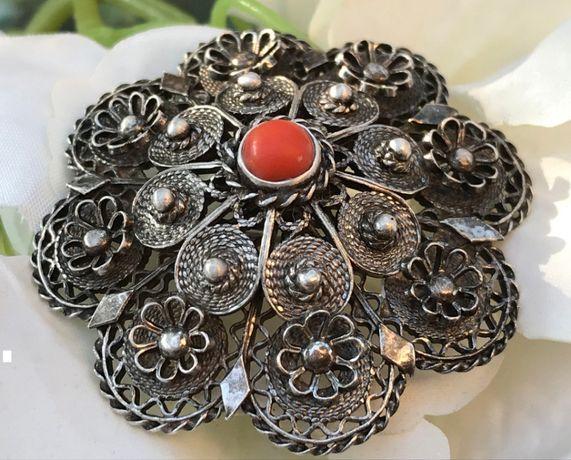 Brosa argint filigran coral rosu floral vintage