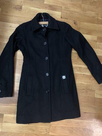 Черно палто Gaudi