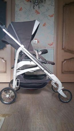 Inglesina otutto. Полный комплект: коляска,автокресло,люлька,стойка.