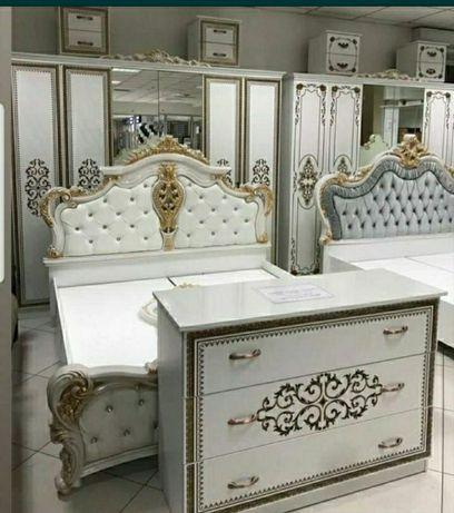Спальни гарнитуры