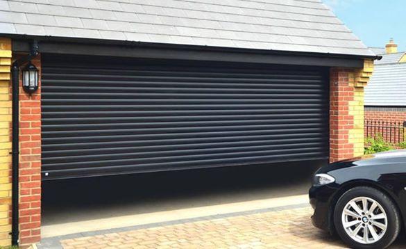 Термоизолирани ролетни врати и ролетни врати без изолация