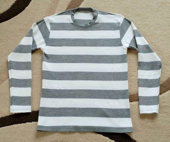 Пуловер - Размер L