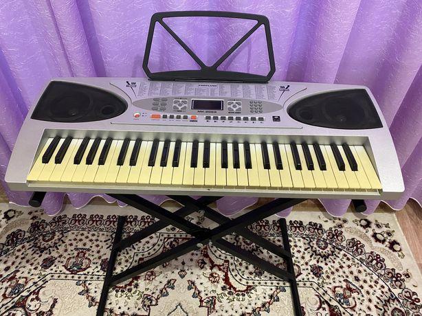 Продам отличный синтезатор